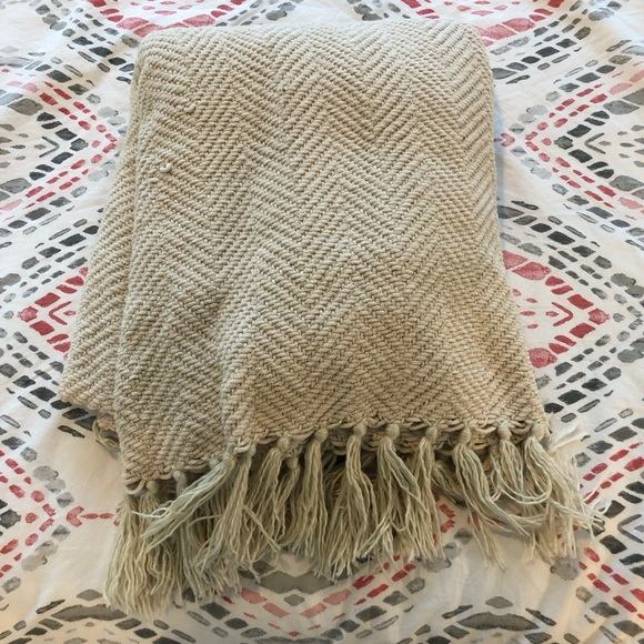 Other - Soft cream knit throw blanket!